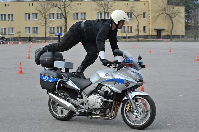 csp-szkolenie-policjantów-CBF1000SA