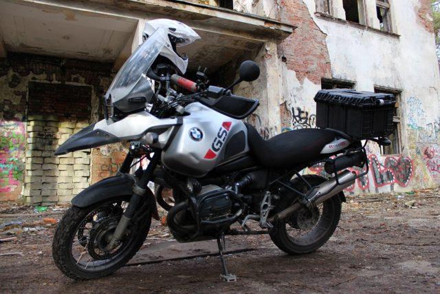 kufer centralny motocykla ze skrzynki na narzędzia