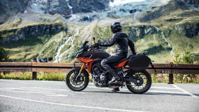 Yamaha Tracer 900 wypożyczalnia wypożyczenie motocykla