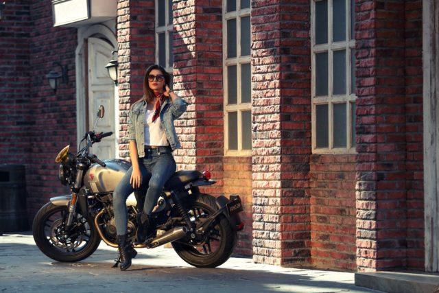 Zongshen RE3 Cyclone cafe racer chiński klasyk klasyczny miejski 400 ccm pierwszy motocykl 3