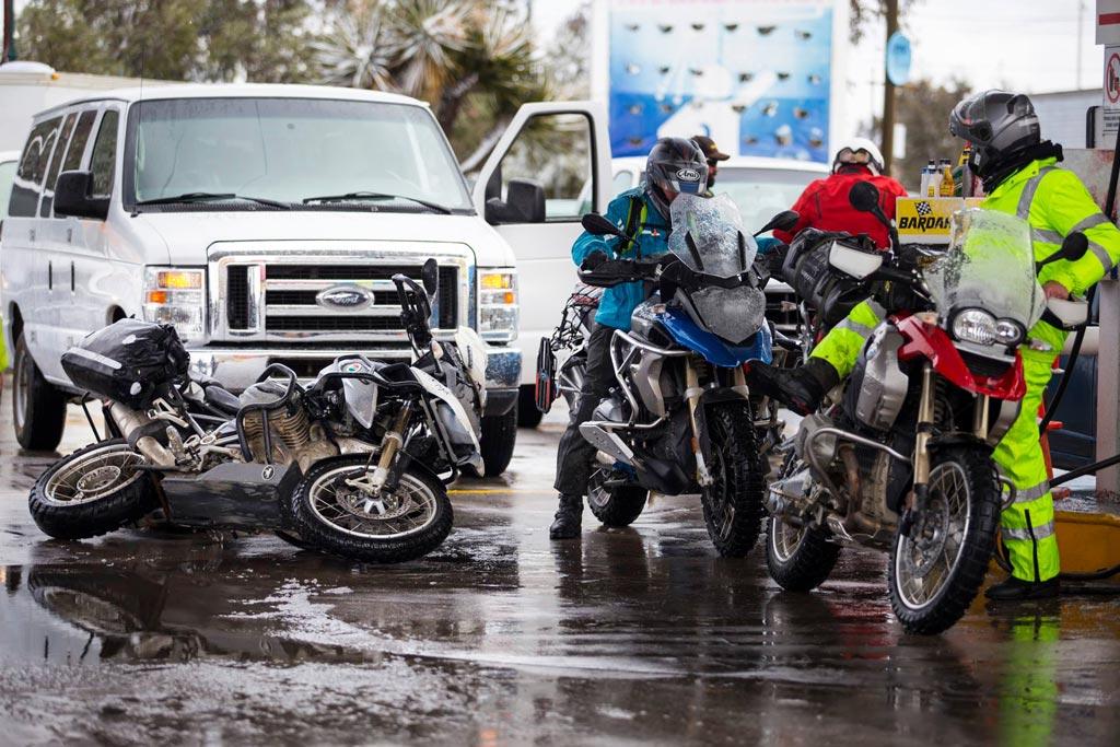 bez paniki zapłacisz za paliwo na stacji orlenu bez potrzeby schodzenia z motocykla aplikacja orlen pay