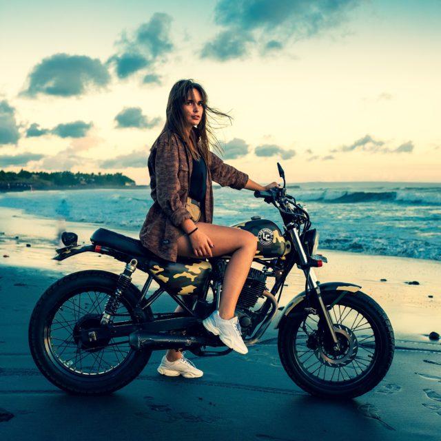 jak się ubrać na motocykl latem