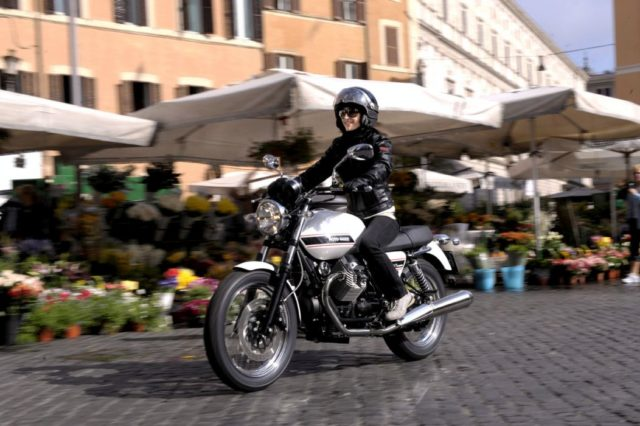 Moto Guzzi V7 klasyczny retro turystyka adventure 2