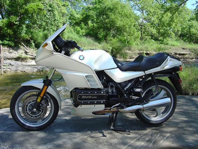 Historia wybranych systemów współczesnych motocykli – ABS, hamulce tarczowe, wtrysk paliwa, rozrusznik elektryczny, oświetlenie LED