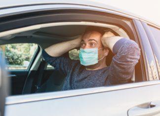 maseczka koronawirus pandemia covid  zmiana obostrzeń  etap scaled