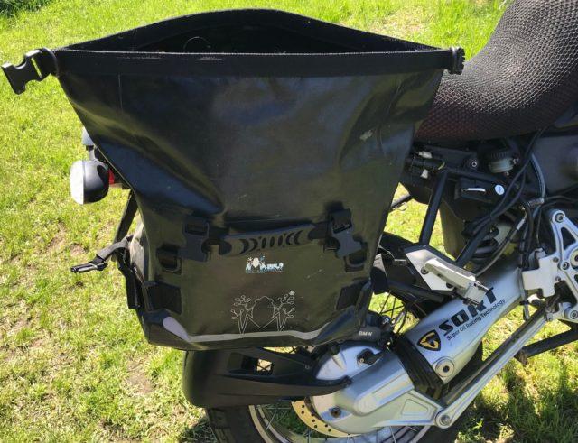 Jakie wodoodporne sakwy motocyklowe opinia wady zalety test Amphibious Motobag II