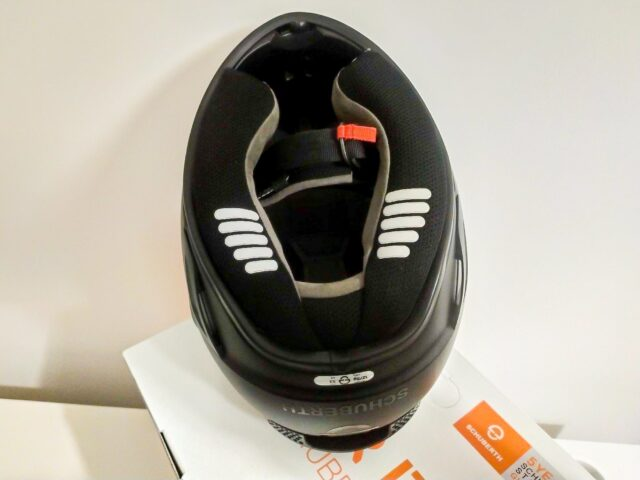 TEST kasku Schuberth SR2