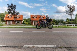 Podróż za kilka złotych – Zontes 310T i Junak RX One 125 [test, opinie, dane techniczne]