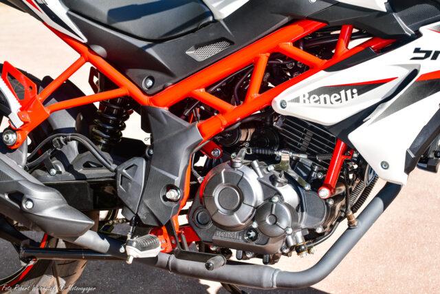 Benelli BN 125 nowość 2020 test dane techniczne opinia cena