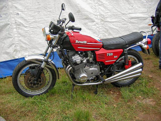 Benelli Sei 750 sześciocylindrowy dwusów nietypowe niecodzienne napędy silniki motocykli motocyklowe dziwne
