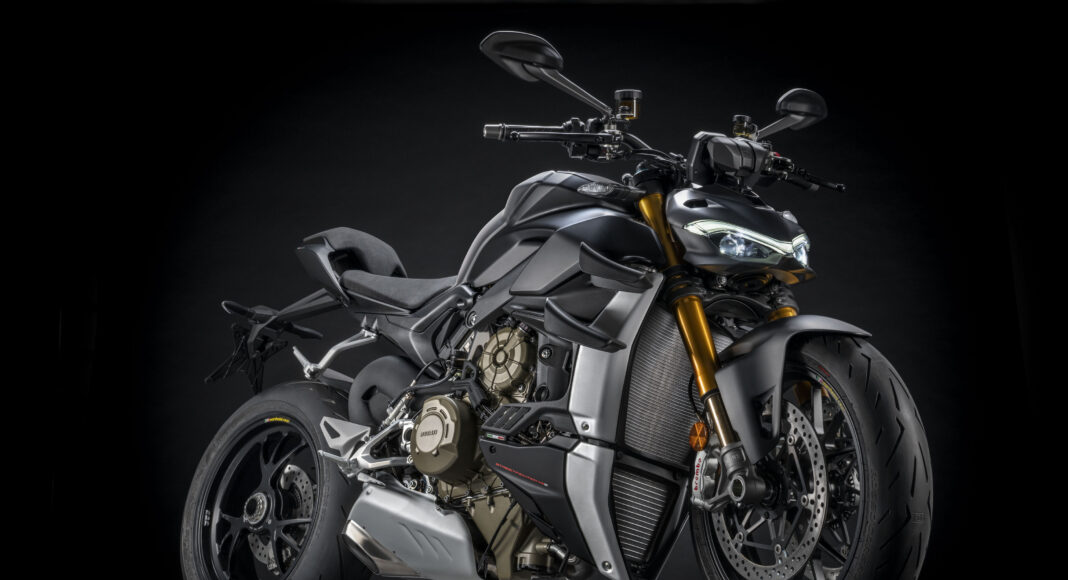 MY DUCATI STREETFIGHTER VS    UC High scaled