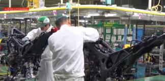 jak powstaje współczesny motocykl montaż Honda Africa Twin