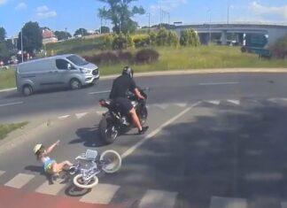 potrącenie na pasach motocykl olsztyn motocyklista ucieka potrącenie rowerek