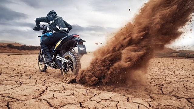 Yamaha Tenere 700 Rally Edition cena dane techniczne różnice 2020 2021