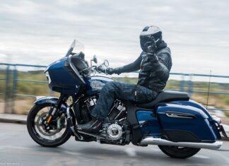Przydatne akcesoria motocyklowe nie tylko wczesną wiosną  typów na jazdę w zimne dni