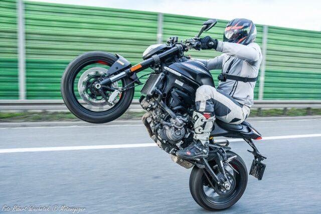 Ducati Monster 2021 – naked lekki jak supermoto [test, dane techniczne, opinia użytkowników]