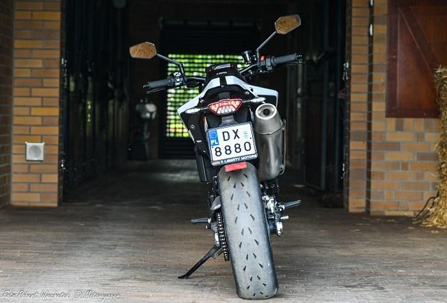 KTM  Duke R test dane techniczne opinia opis wady zalety