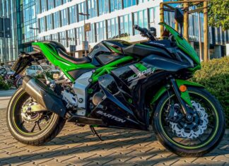 Barton Blade R  motocykl miejski sportowy na kategorię B