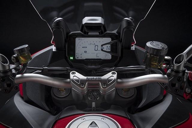 Nowe Ducati Multistrada V2 2022 – idealny kompan każdej podróży? [dane techniczne, zdjęcia, opis]