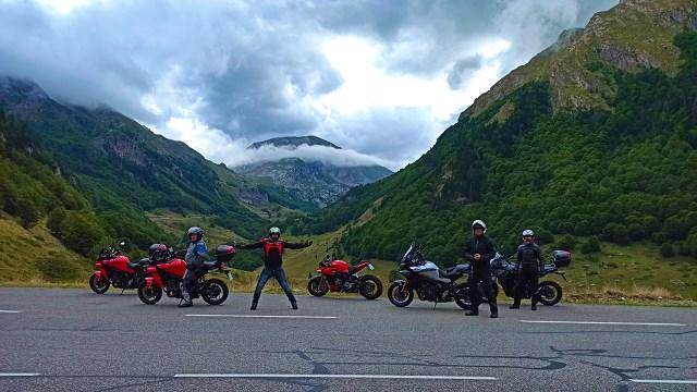Tak Motofiesta zakończyła lato w Pirenejach! I ty możesz poznać uroki motocyklowej jesieni w Hiszpanii…