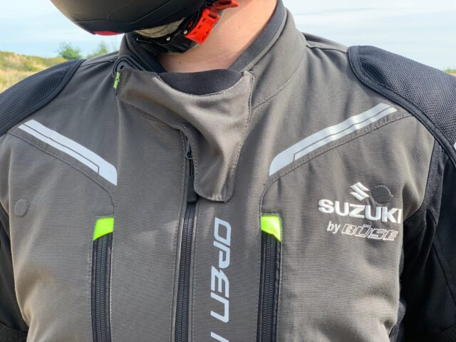 Kombinezon tekstylny BÜSE Open Road II by Suzuki – komplet turystyczny dla każdego i na każde warunki [TEST, OPINIA, WADY, ZALETY, ZDJĘCIA]