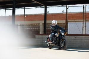 Harley-Davidson StreetRod 03a